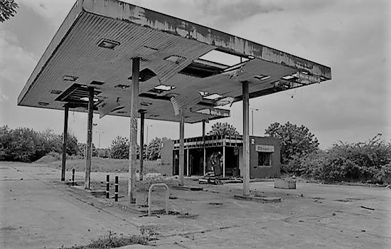 Resultado de imagen para cuando las gasolineras sean ruinas romanticas